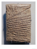 Tablet with Fourteen Lines of a Mathematical Text in Cuneiform Script and a Geometric Design Lámina giclée por  Mesopotamian