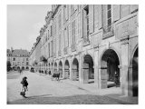 View of the Arcade of Place des Vosges, circa 1890-99 Giclee Print by Adolphe Giraudon