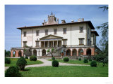 The Medici Villa Designed by Giuliano Da Sangallo for Lorenzo the Magnificent, 1480 Giclee Print