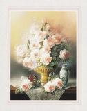 Roses in a Gold Vase Kunstdrucke von T. C. Chiu