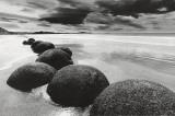 Rochers sur la plage Affiche