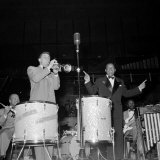 1950s Jazz Performers Lionel Hampton, Band Leader at the Royal Festival Hall in London Lámina fotográfica