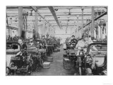 Women Working in a Lancashire Cotton-Mill Giclee Print