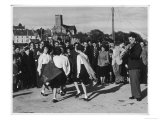 Crowd Watching Girls Performing Traditional Irish Dancing at Killybegs County Donegal Ireland Lámina giclée