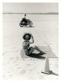 Salt Flat Motorcycle Pin up Poster Impression giclée par David Perry
