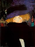 羽毛の帽子と襟巻きを着けた婦人 1905-09年 ポスター : グスタフ・クリムト