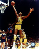 Wilt Chamberlain - Rim action Photo
