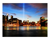 Tribute in Lights - Annual 911 NYC Commemoration Impressão giclée por New Yorkled