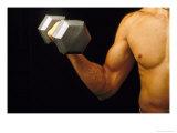 Body Building-Curling Dumbbell Biracial Fotografisk tryk af David M. Dennis