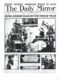 How London Hailed the End of the War Giclee Print