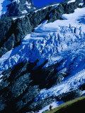 Hiker Ascending at Cascade Saddle, Mt. Aspiring National Park, Otago, New Zealand Fotografisk trykk av Gareth McCormack
