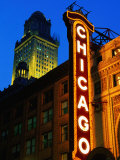 Chicago Theatre Facade and Illuminated Sign, Chicago, United States of America Fotografisk tryk af Richard Cummins