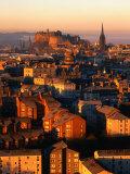 Edinburgh Castle et vieille ville vus depuis le Siège d'Arthur, Edimbourg, Royaume-Uni Papier Photo par Jonathan Smith