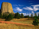 Devil's Tower National Monument, Devils Tower National Monument, Wyoming, USA Fotografisk tryk af Carol Polich