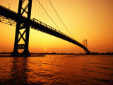 Ambassador Bridge, U.S.A. Lmina fotogrfica por Greg Johnston