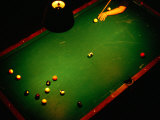 Playing Billiards at Temple Billiards in Pioneer Square, Seattle, Washington, USA Photographie par Lawrence Worcester