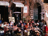 People Sitting Outside Cafe on Piazza Navona, Rome, Lazio, Italy Photographie par Christopher Groenhout