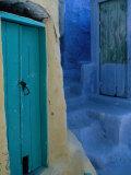 Painted Stepped Alley and Green Wooden Door,Pothia, Kalymnos, Greece Fotografisk tryk af Jeffrey Becom