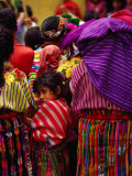 Women and Young Girl Watching the Zunil Easter Procession, Zunil, Guatemala Fotografie-Druck von Jeffrey Becom