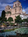 Cathedral of Cuenca Looking Next to Parque Calderon, Cuenca, Azuay, Ecuador Fotodruck von Grant Dixon
