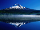 Mt. Hood Over Trilium Lake, Mt. Hood, USA Photographie par John Elk III