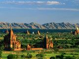 Plaines de Bagan, avec deux Guni Pahtos et le Dhamma Yan-Zi-Ka Zedi, Ancienne Bagan, Mandalay, Myanmar Photographie par Anders Blomqvist