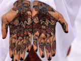Person Displaying Henna Hand Tattoos, Djibouti, Djibouti Fotografisk tryk af Frances Linzee Gordon