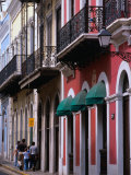 Building Facades in the Old Quarter of San Juan, San Juan, Puerto Rico Photographic Print by Alfredo Maiquez