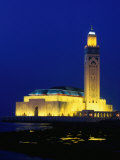 Hassan II Mosque at Night, Casablanca, Morocco Lámina fotográfica por Paul Kennedy