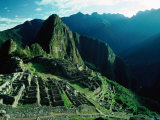 Ancient Ruins on Hillside, Machu Picchu, Cuzco, Peru Photographie par Richard I'Anson