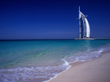 The Burj Al Arab or the Arabian Tower of the Jumeirah Beach Resort, Dubai, United Arab Emirates Fotografisk tryk af Neil Setchfield