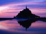 The Mont Reflected in the Bay at Dusk, Mont St. Michel, Basse-Normandy, France Lámina fotográfica por Tomlinson, David