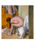 Nude, Drying Her Feet after the Bath Reproduction proc&#233;d&#233; gicl&#233;e par Edgar Degas