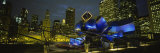 Buildings Lit Up at Night, Pritzker Pavilion, Millennium Park, Chicago, Illinois, USA Fotografisk tryk af Panoramic Images