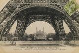 La Base de la Tour Eiffel Print