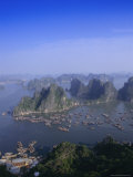 Ha Long (Ha-Long) Bay, Unesco World Heritage Site, Hong Gai, Vietnam Photographic Print by Charles Bowman