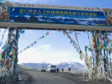 Jia Tsuo La, Entrance to Mount Everest (Qomolangma) National Park, Tibet, China Photographic Print by Ethel Davies