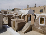 Old Berber Grain Storage Units, Site of Star Wars Film, Now a Hotel, Ksar Hedada, Tunisia Fotografisk tryk af Ethel Davies