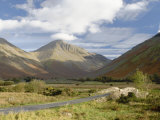 Great Gable, 2949Ft, Wasdale Valley, Lake District National Park, Cumbria, England Fotoprint van James Emmerson