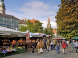 Viktualienmarkt, Food Market, Munich (Munchen), Bavaria (Bayern), Germany Photographic Print by Gary Cook