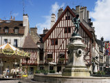 Place Francois Rude Bareuzai, Dijon, Bourgogne (Burgundy), France Photographic Print by Peter Scholey