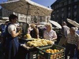 Fruit Stall in the Market, Brno, Moravia, Czech Republic Photographie par Gavin Hellier