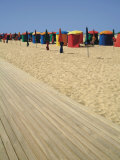 La Planche (Boadwalk) and Beach, Deauville, Calvados, Normandy, France Photographie par David Hughes