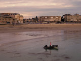 Beach and Seafront, Dinard, Cote d'Emeraude (Emerald Coast), Cotes d'Armor, Brittany, France Photographie par David Hughes