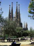 Gaudi's Sagrada Familia, Barcelona, Catalonia, Spain Photographic Print by G Richardson
