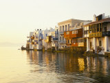 Little Venice at Sunset, Mykonos Town, Mykonos, (Mikonos), Greek Islands, Greece Fotografisk tryk af Lee Frost