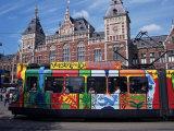 Stazione centrale e capolinea del tram, Amsterdam, Olanda Stampa fotografica di Michael Jenner