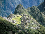 Looking Down onto the Inca City from the Inca Trail, Machu Picchu, Unesco World Heritage Site, Peru Reproduction photographique par Christopher Rennie