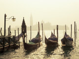 View Across Lagoon Towards San Giorgio Maggiore, from St. Mark's, Venice, Veneto, Italy Fotografisk tryk af Lee Frost