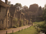 Houses Dating from the 14th Century, Arlington Row, Bibury, Gloucestershire, the Cotswolds, England Photographie par J Lightfoot